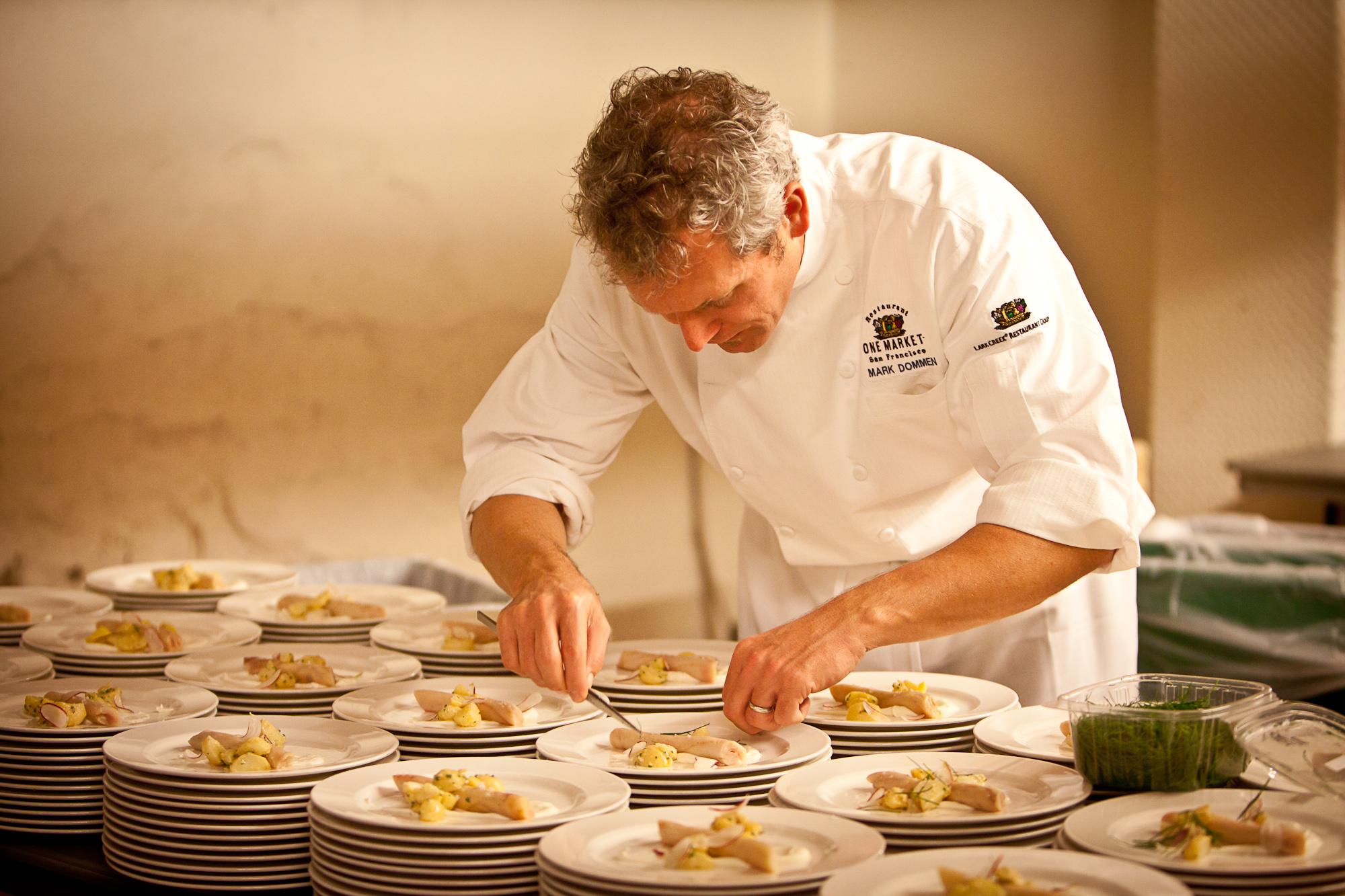 Chef coats - kitchen staff uniforms - executive chef coats and uniforms